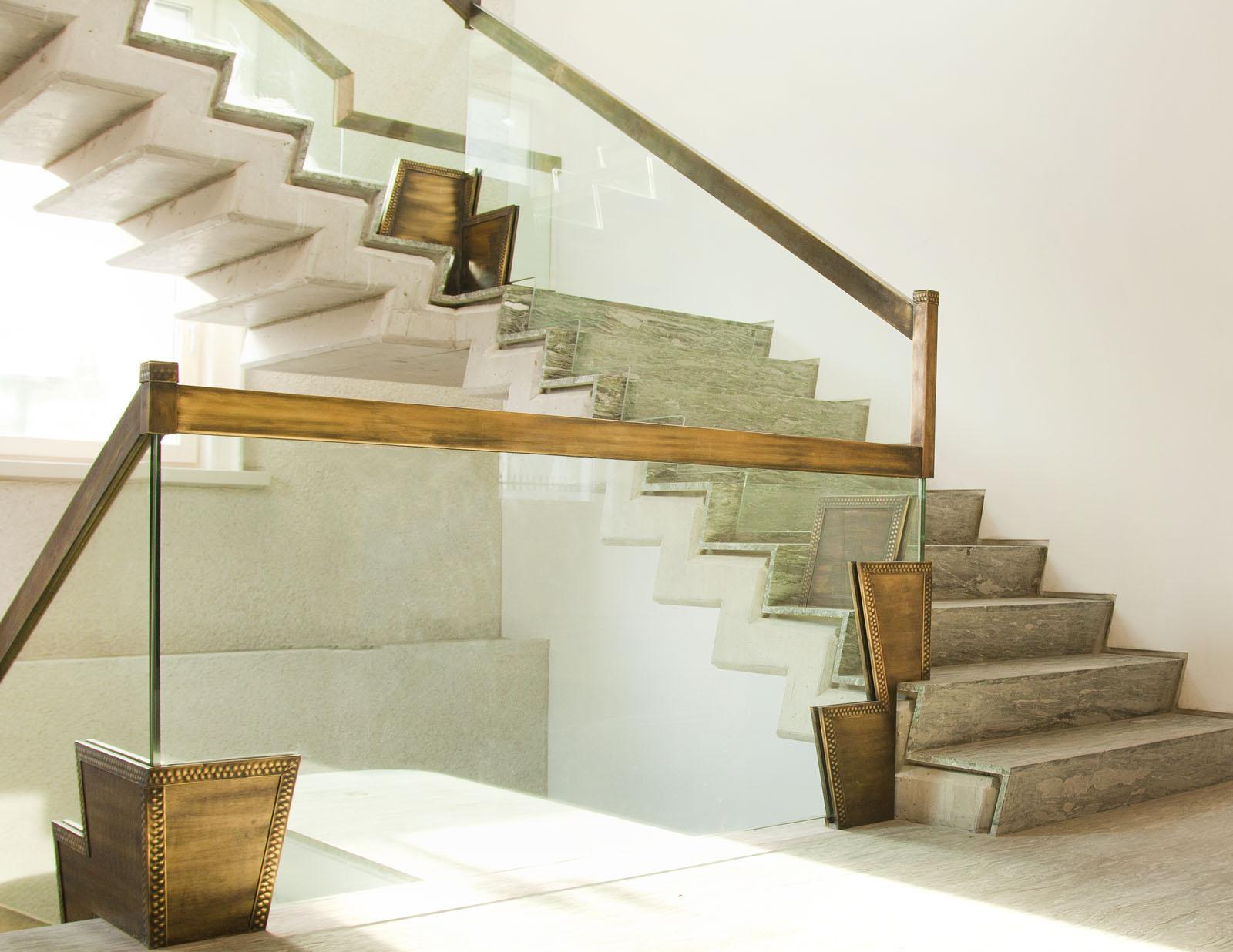 Scara art deco balustrada sticla alama vintage haute couture