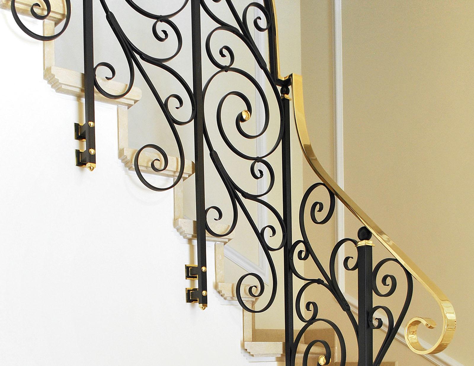 Balustrada metal mana curenta alama vintage haute couture