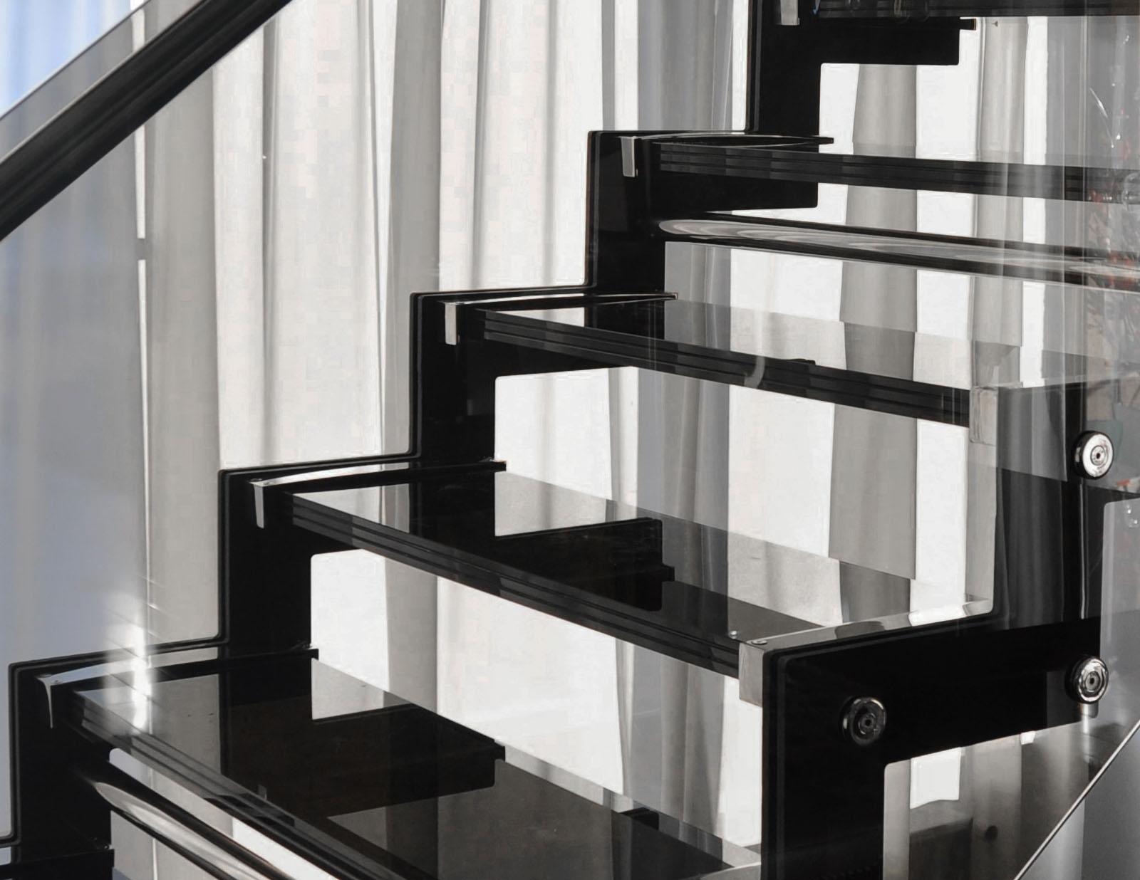 Scara casa metal balustrada sticla inox haute couture