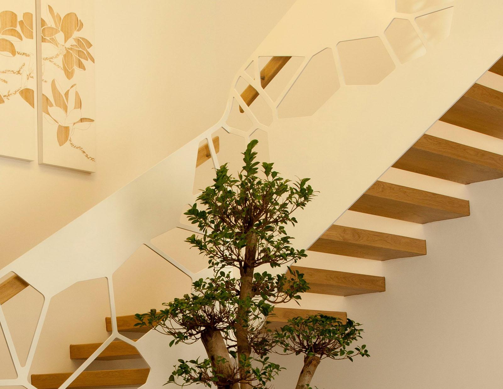 Scara arhitect trepte lemn balustrada laser haute couture