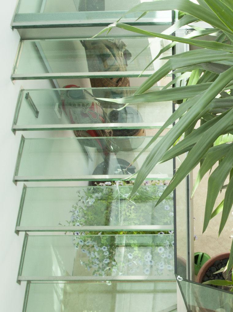 Scara trepte sticla triplex balustrada securizata haute couture metal