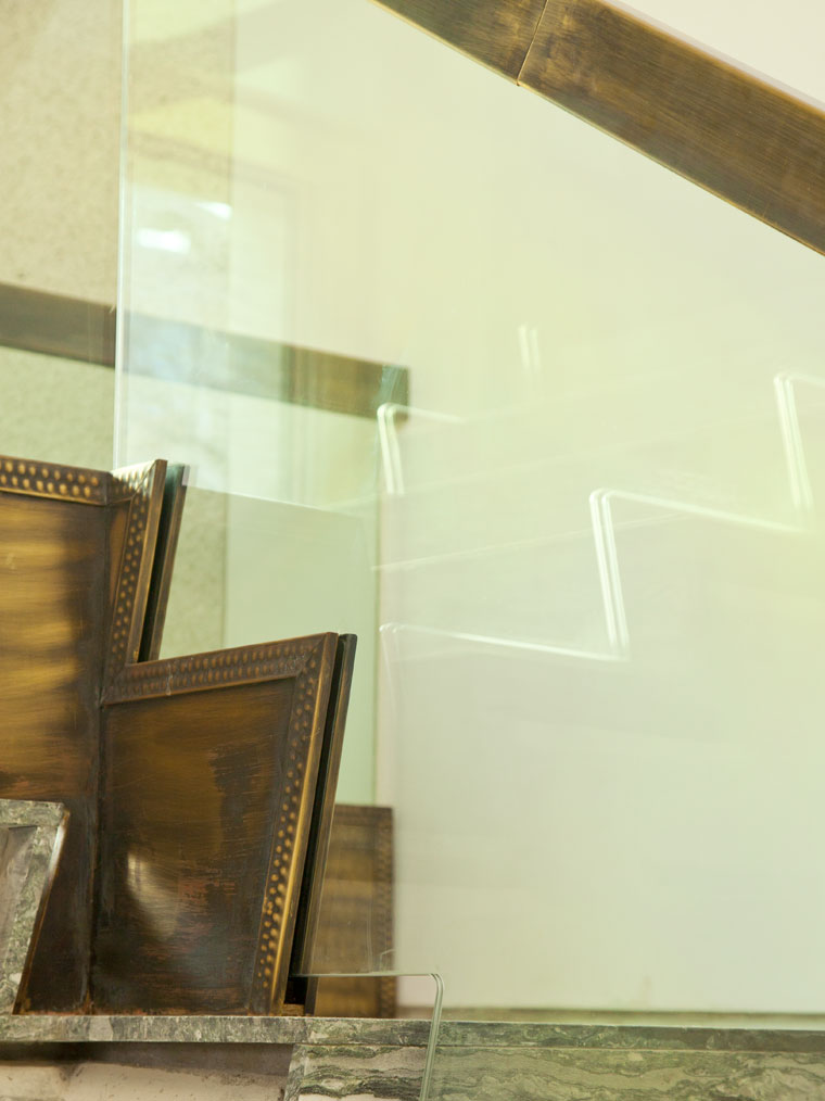 Scara interioara marmura balustrada art deco vintage alama haute couture metal