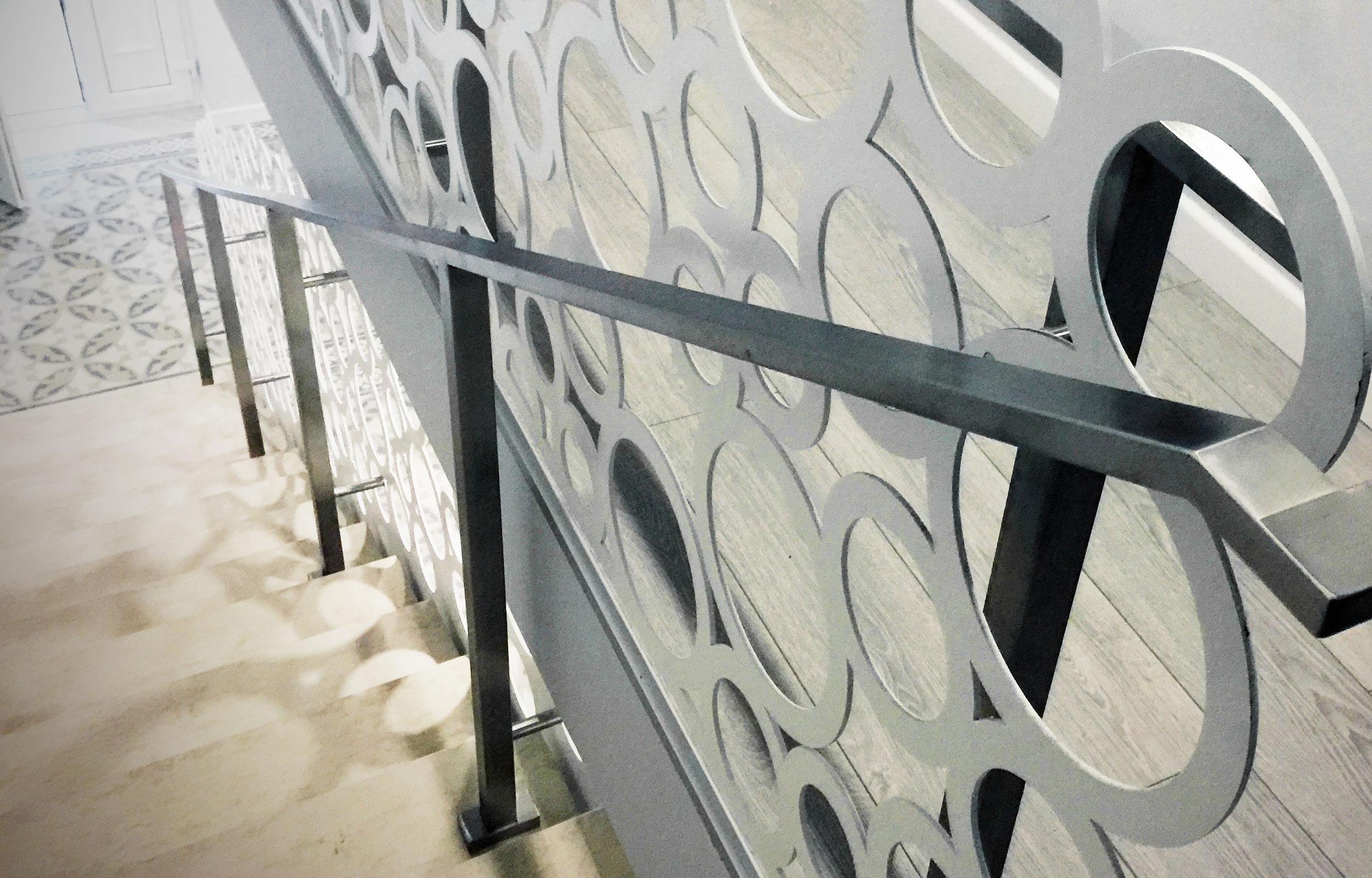 Scara interioara balustrada lasercut adela parvu