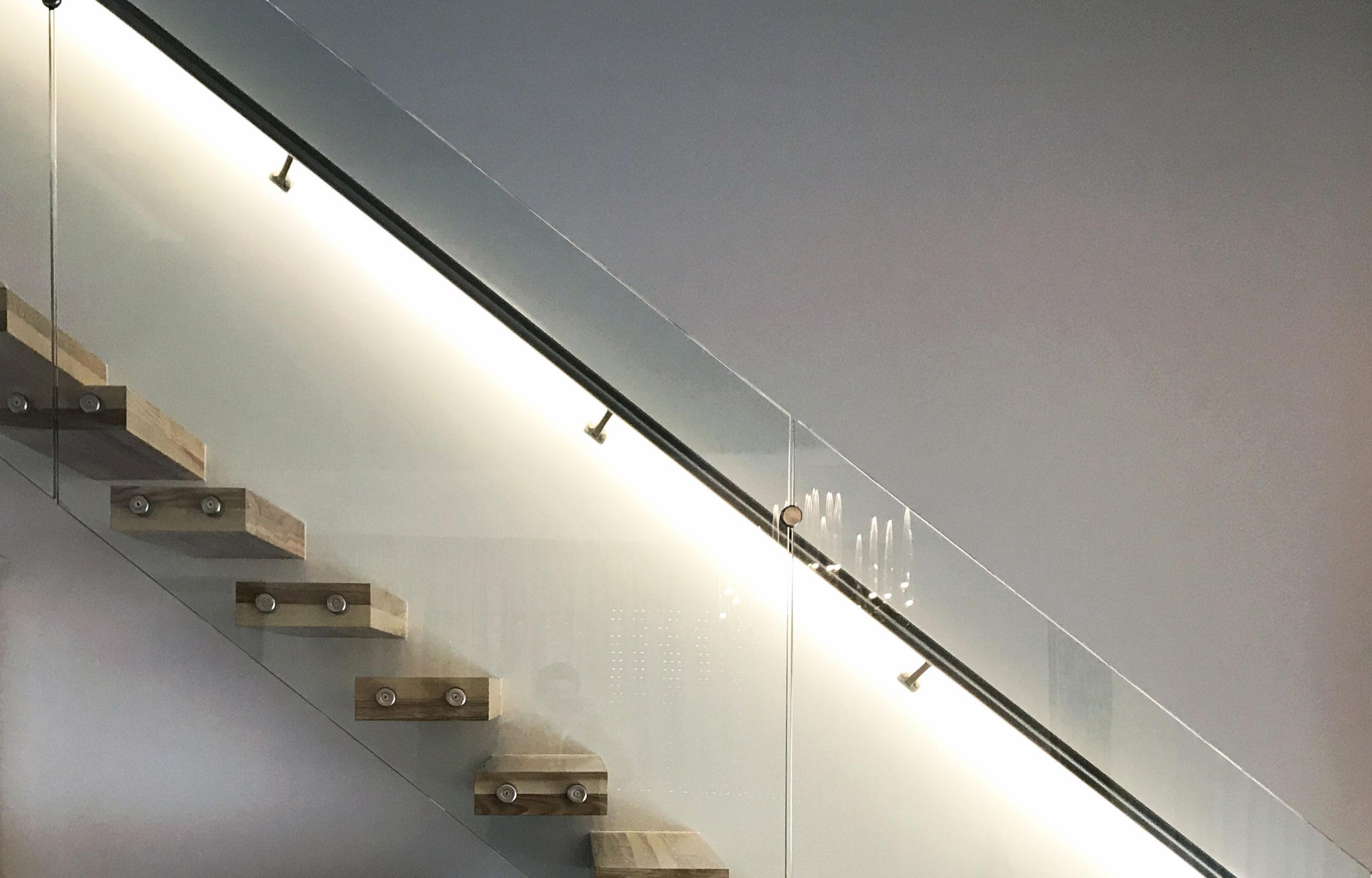 Scara interioara trepte consola balustrada sticla haute couture metal Serena