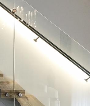 Balustrada sticla inox trepte lemn lumina led