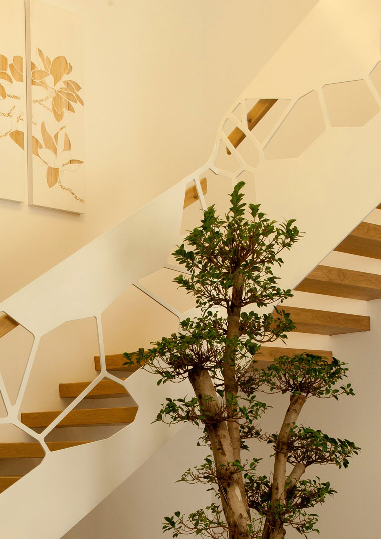 Scara interioara locuinta lemn balustrada metal hautecouturemetal
