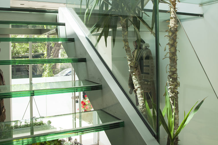 Scara trepte sticla balustrada inox structura metal haute couture