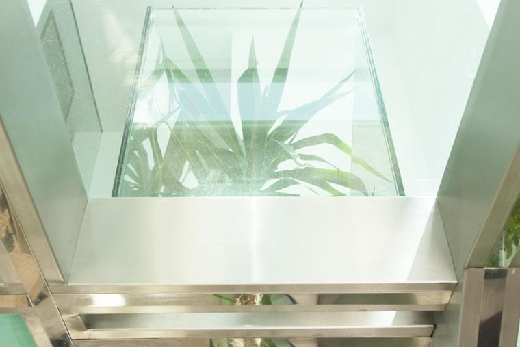 Scara interior locuinta sticla inox metal balustrada mana curenta haute couture