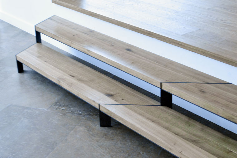 Scara trepte living lemn metal