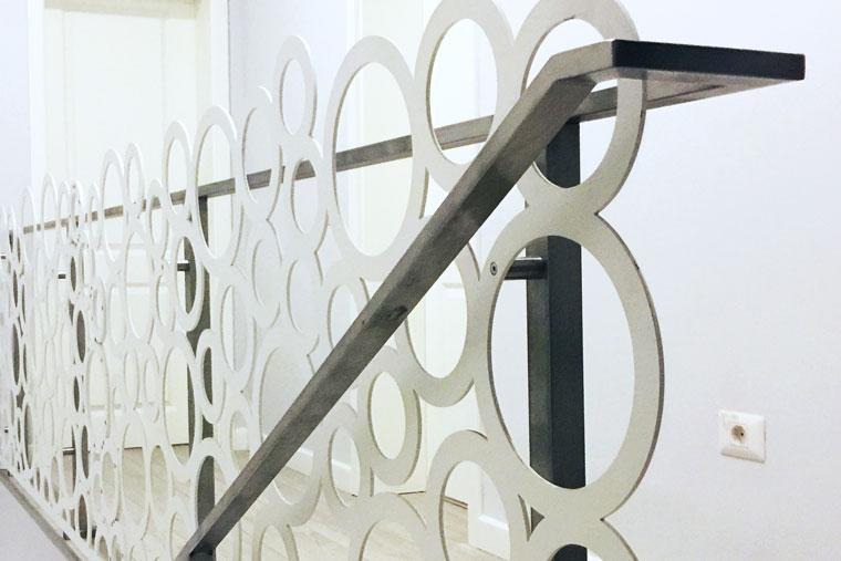 Balustrada mana curenta metal design adela parvu haute couture