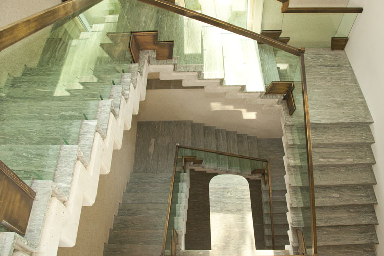 Scara interioara balustrada sticla vintage alama antichizata