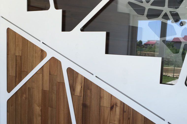 Separator scara interioara sticla rama debitata laser metal