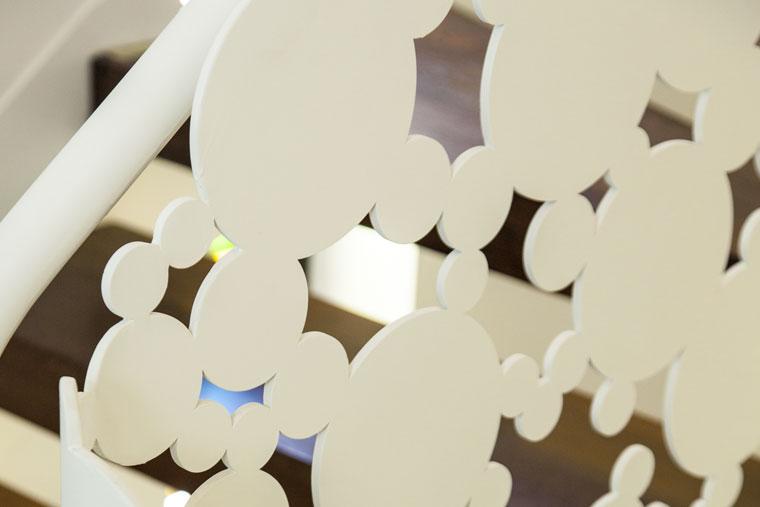 Balustrada debitata laser scara interioara lemn haute couture