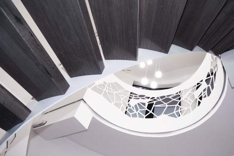 Scara trepte stejar balustrada voronoi haute couture