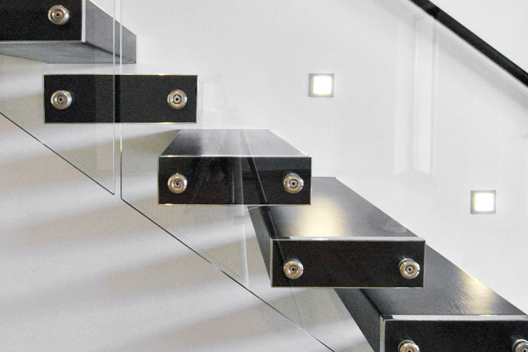 Trepte scara consola stejar balustrada sticla
