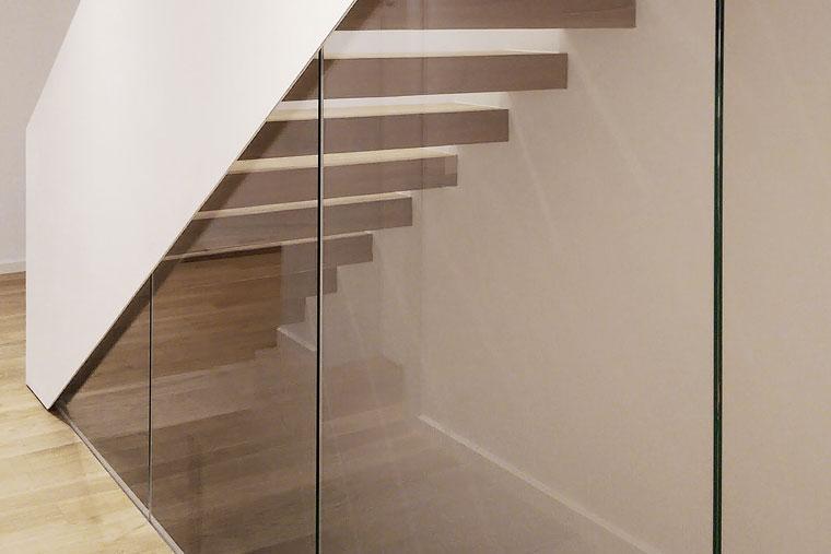 Scara domiciliu Studio 1408 Balustrada sticla metal haute couture